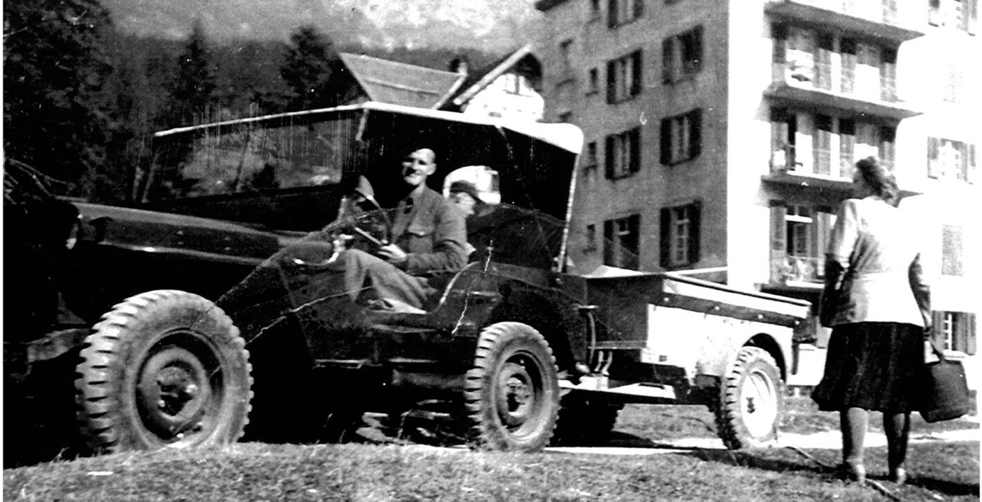 Paulin_Parpan_mit_Jeep_1948